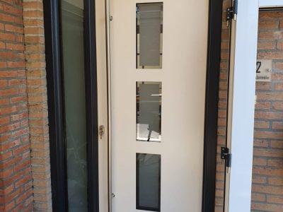 Kunststofkozijn4U Kunststof kozijnen - kunststof voordeur in Wolvega