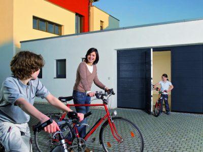 Garagedeur Steenwijk openslaande garagedeur antraciet - Kunststofkozijn4U Steenwijk
